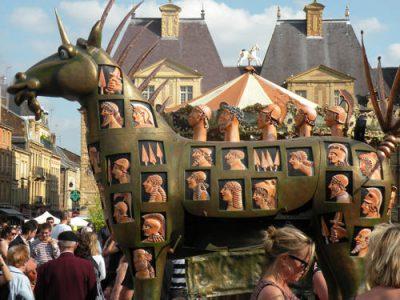 Festival-mondial-des-theatres-de-marionnettes-2011-14_lightbox